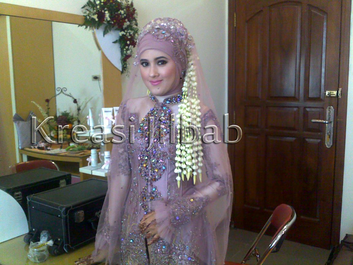jilbab pengantin ungu